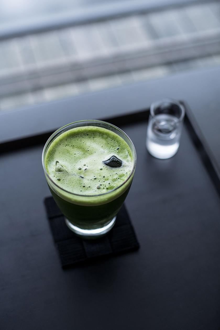 drink in japan - Condé Nast Traveller - Beatriz Janer - 8 Artist Management