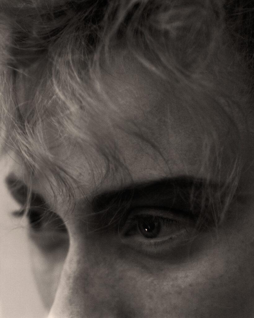 B&W Beauty - Daniel Scheel - 8 Artist Management